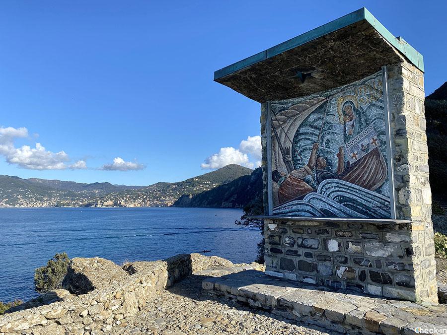 Trekking da Camogli FS a Punta Chiappa (Liguria di levante)