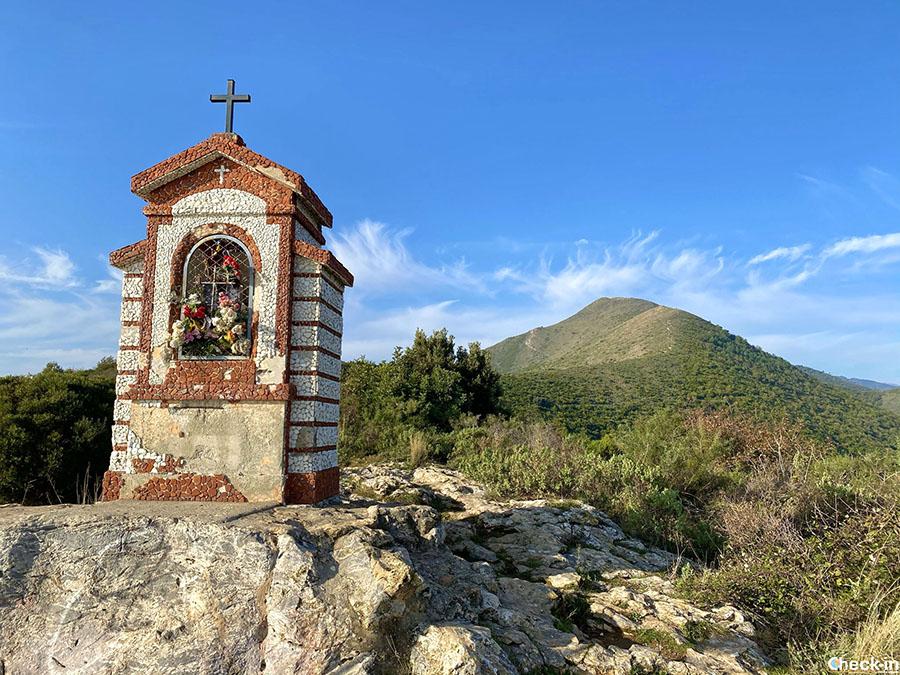 Come raggiungere la Madonna della Guardia sul monte Piccaro tra Borghetto S. Spirito e Ceriale (Liguria)