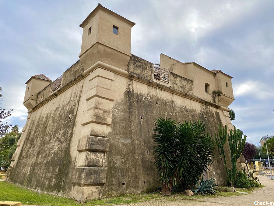 Cosa vedere vicino al centro storico di Albenga: il Fortino Genovese di Piazza Europa