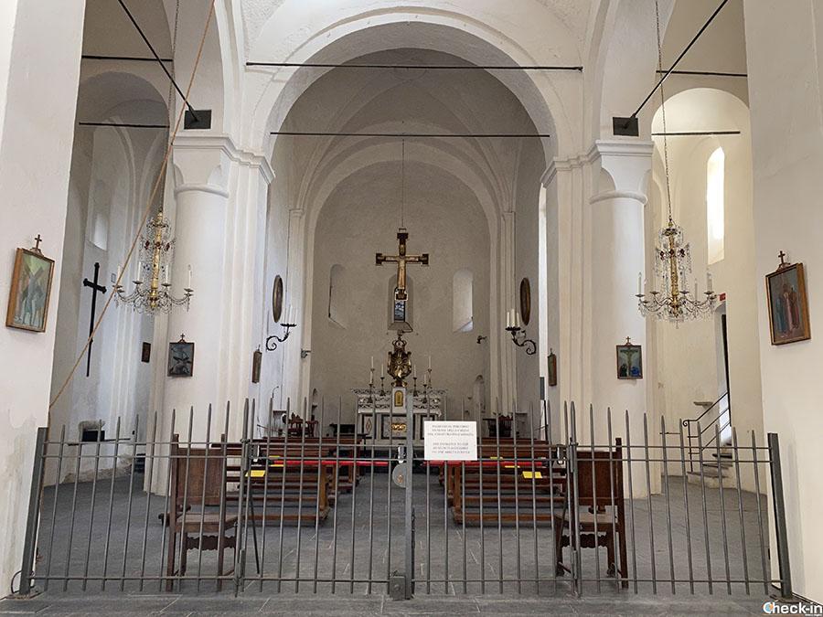 Cosa vedere a San Fruttuoso: chiesa medievale con torre ottagonale