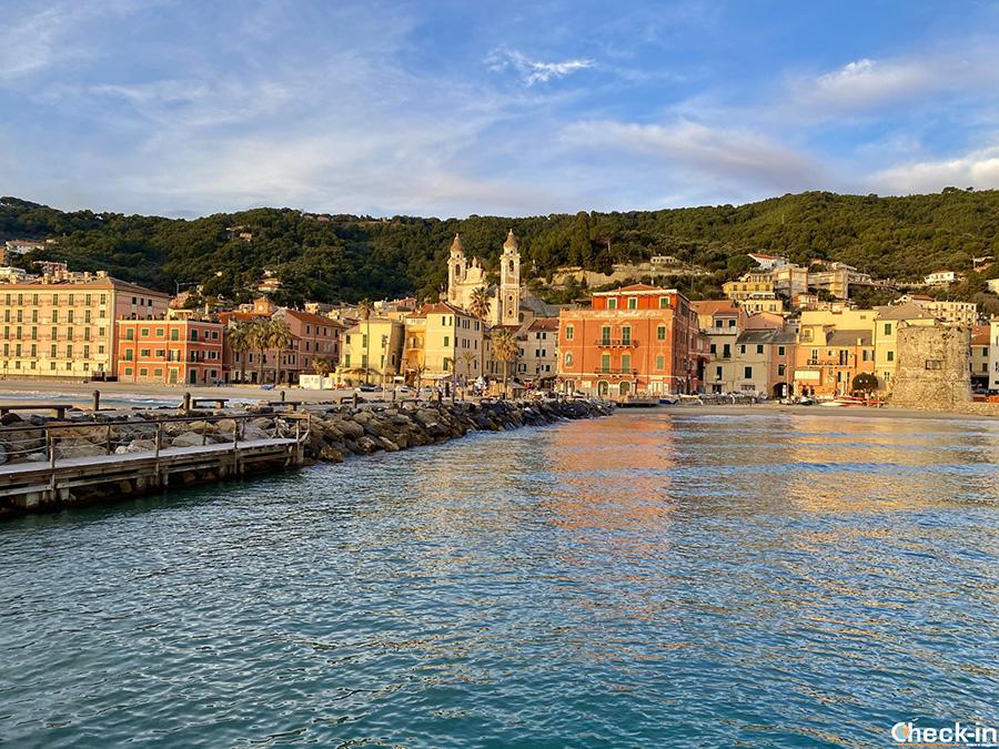 Lungomare di Laigueglia - Vacanza in Liguria (nord Italia)