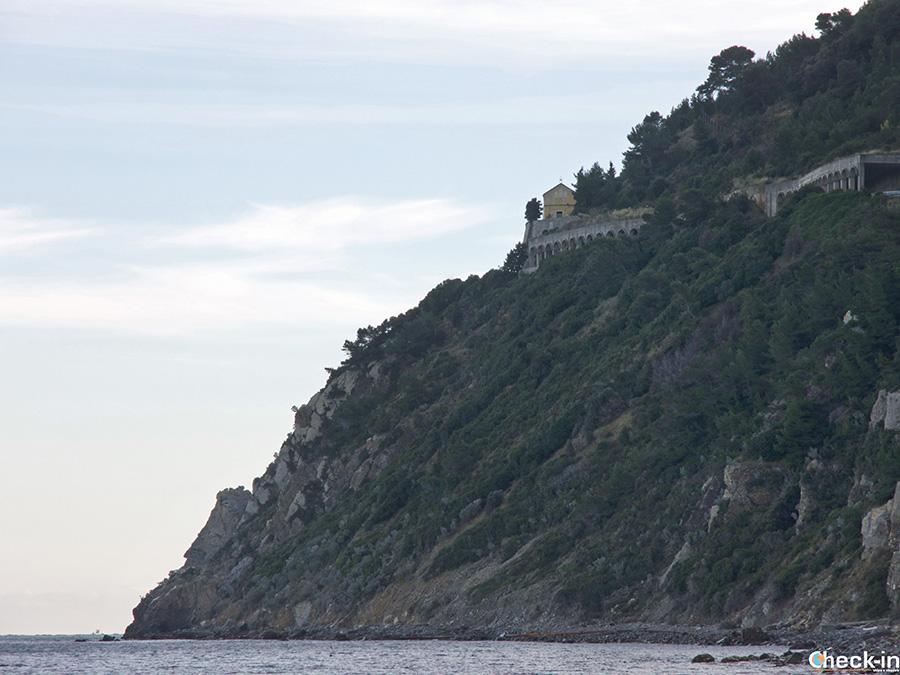 Come arrivare al Santuario di Nostra Signora delle Penne di Laigueglia (Savona)