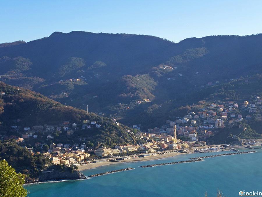 Informazioni sentiero per Punta Moneglia dalla stazione ferroviaria - Liguria di levante