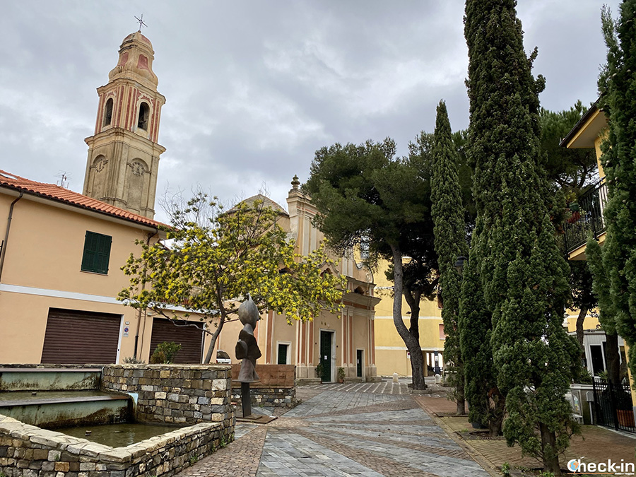 Chiesa parrocchiale di S. Maria Maddalena a S. Lorenzo al Mare (Liguria)