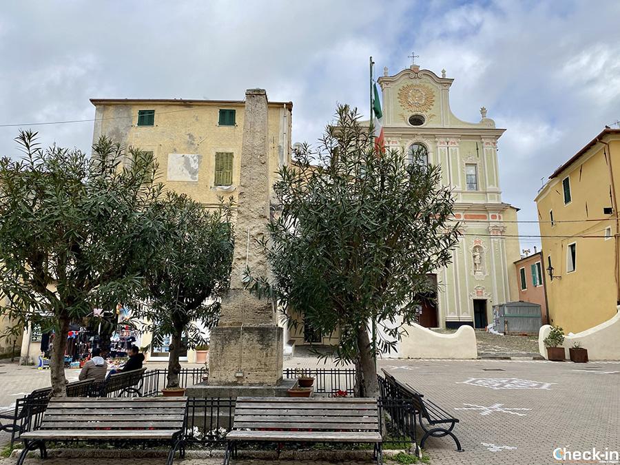 Chiesa di San Maurizio Martire nel centro storico di Riva Ligure (IM)