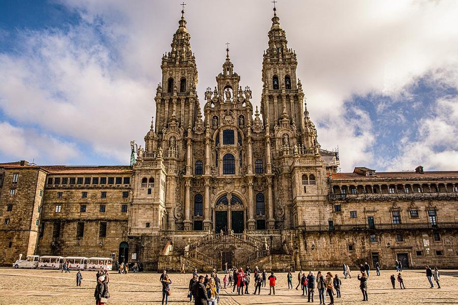 Paseos guiados en Santiago de Compostela con salida de Plaza de Obradoiro - Galicia, España