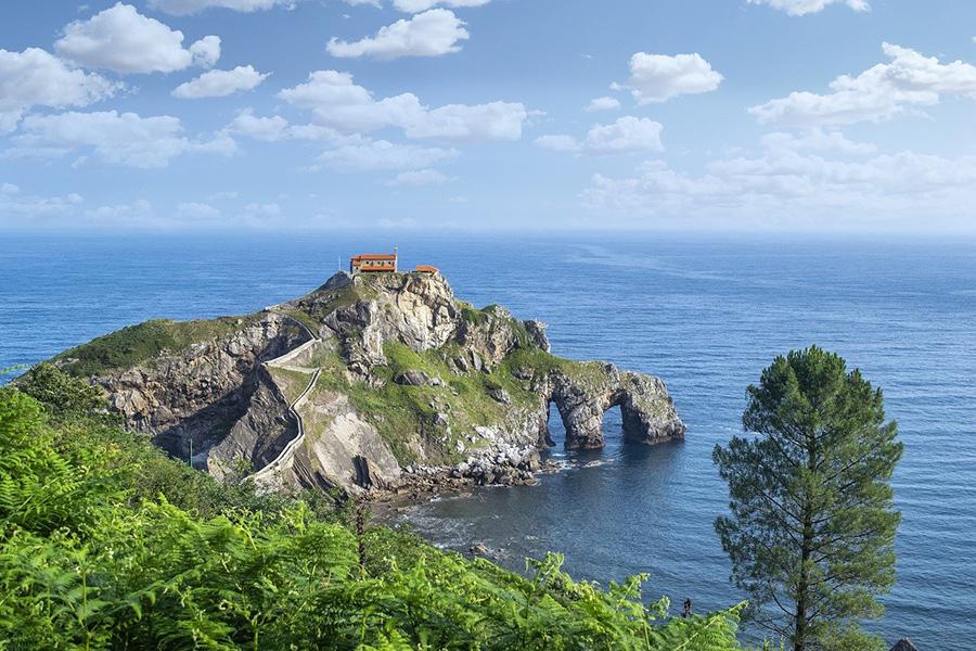 11 mejores excursiones desde Bilbao - San Juan de Gaztelugatxe (Costa Vasca)
