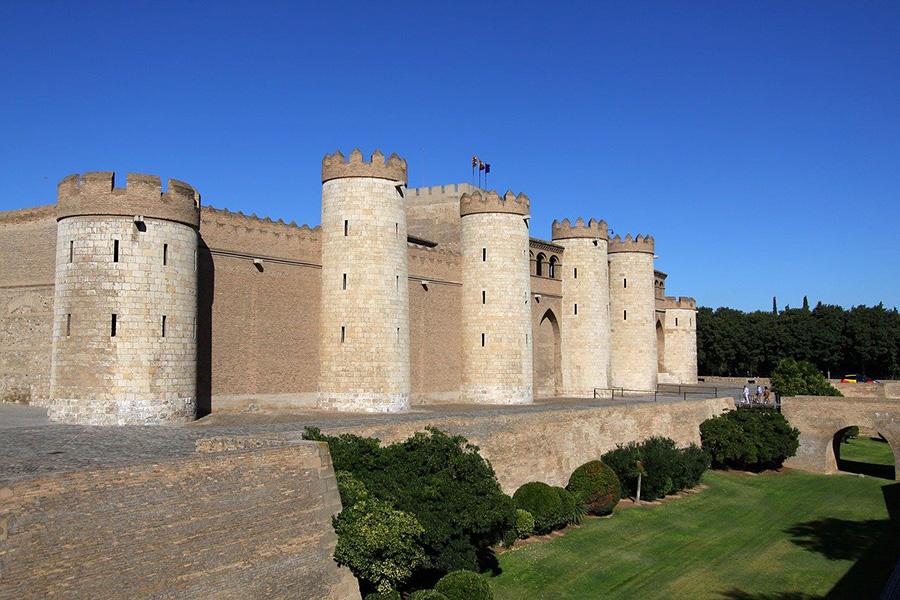 14 mejores visitas guiadas en Zaragoza y Aragón - Palacio de Aljafería