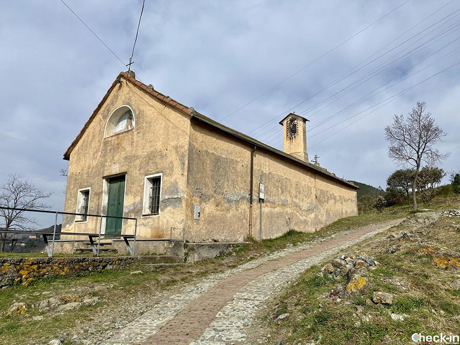 Chiesa dei Santi Rosso e Isidoro, dove sostò la Principessa Sissi - Anello del monte Gazzo (Genova)