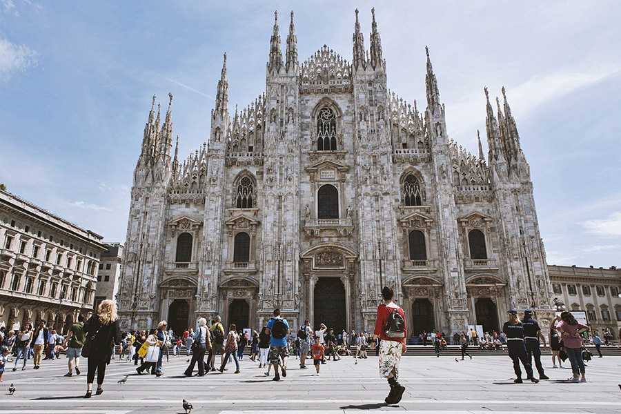 Best tourist card to visit Milan with unlimited public transport - Prices and online purchase