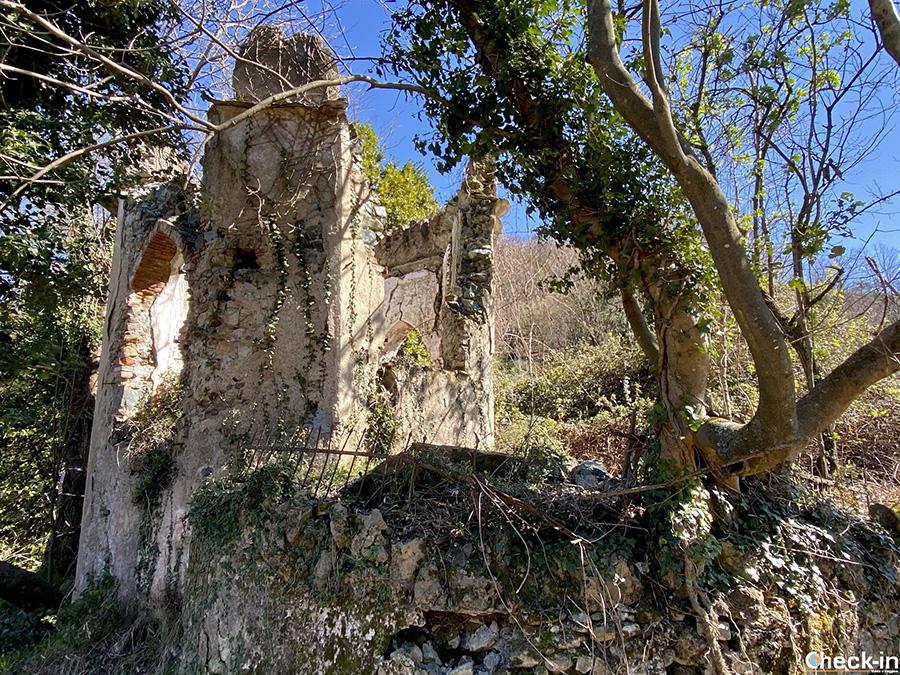 Cosa vedere tra i ruderi dell'Abbazia di Cassinelle e come arrivare da Genova Borzoli