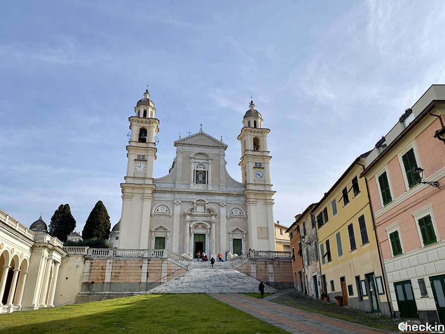 Visita di Lavagna e trekking sulle alture dalla Basilica di Santo Stefano
