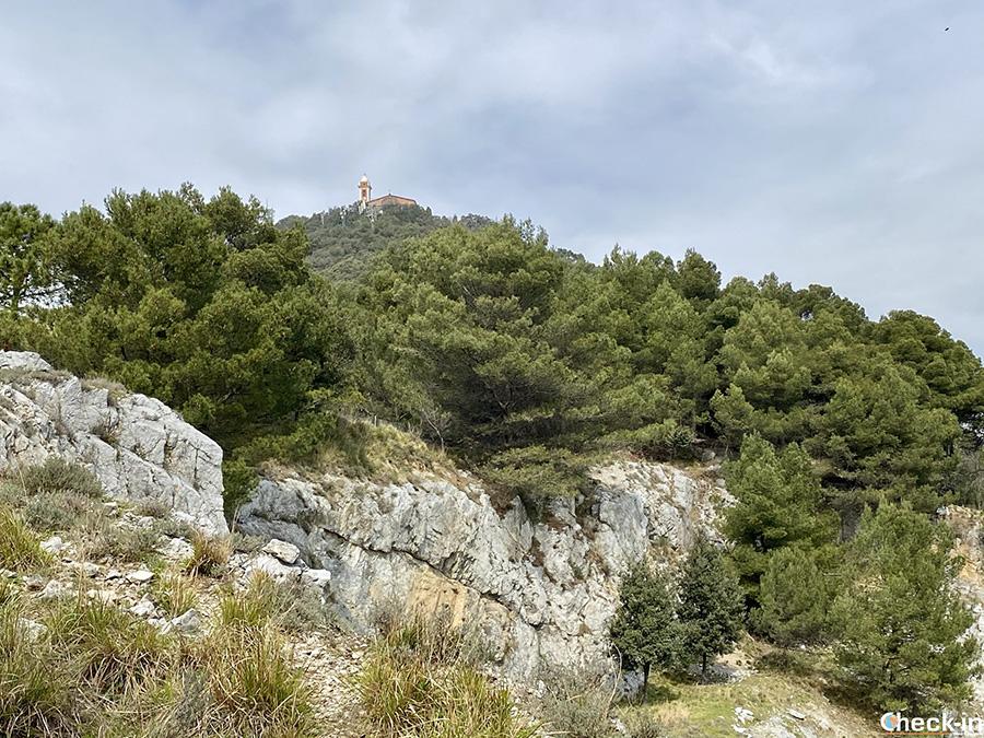 Trekking urbano tra le cave del Monte Gazzo da Sestri Ponente - Genova, Liguria