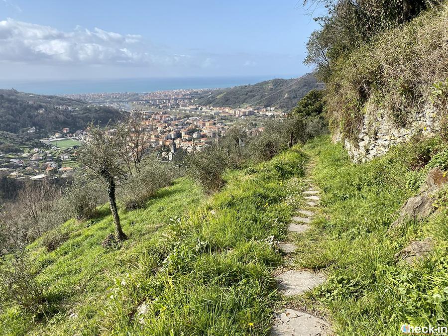 """Escursione nel levante ligure sulla """"Via dell'Ardesia"""" sopra Lavagna in Val Fontanabuona (GE)"""