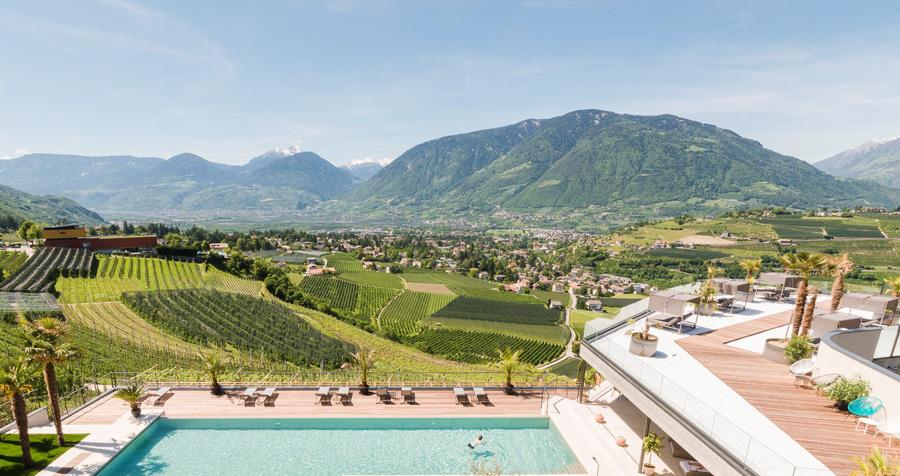 Vacanze estive nelle montagne italiane: Schenna Hotels vicino a Merano (Trentino Alto-Adige)