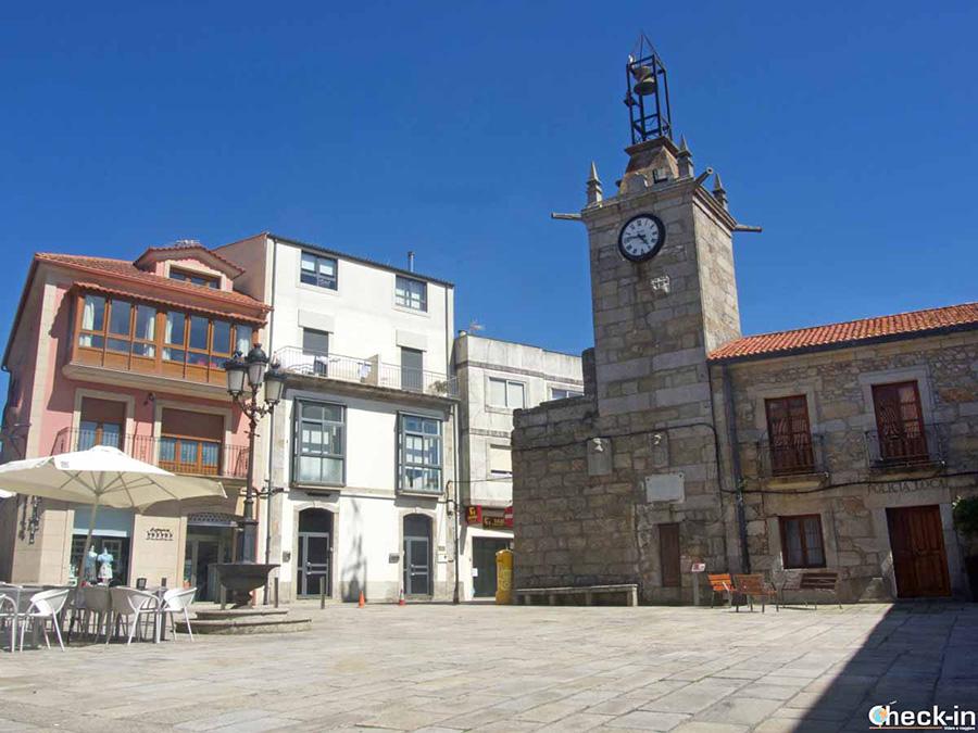 Qué ver en A Guarda: Plaza y Torre del Reloj - Rías Baixas, Galicia
