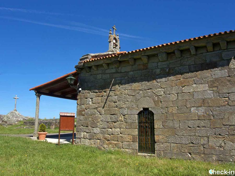 Ermita de Santa Marta - Paseo marítimo de Baiona (España atlántica)