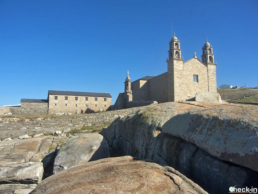 Qué ver en la Costa da Morte (Galicia): Santuario de la Virgen da Barca en Muxía