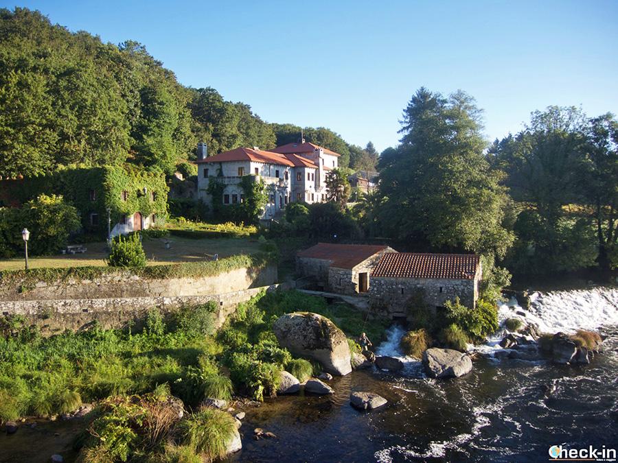 Parada en Agrón - Camino de Santiago a Costa da Morte, Galicia (España)