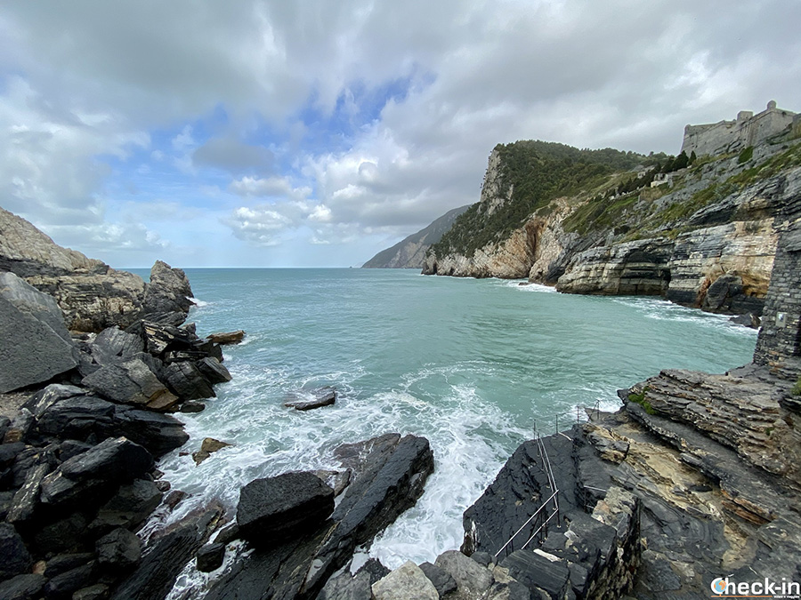 Byron's Grotto and panoramic view of the bay - Portovenere, Liguria
