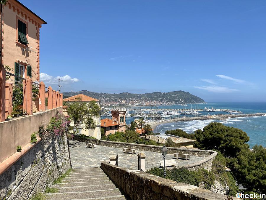 Bastione del Miradore (o dell'Ospedale) sul promontorio del Parasio - Imperia, Liguria di ponente