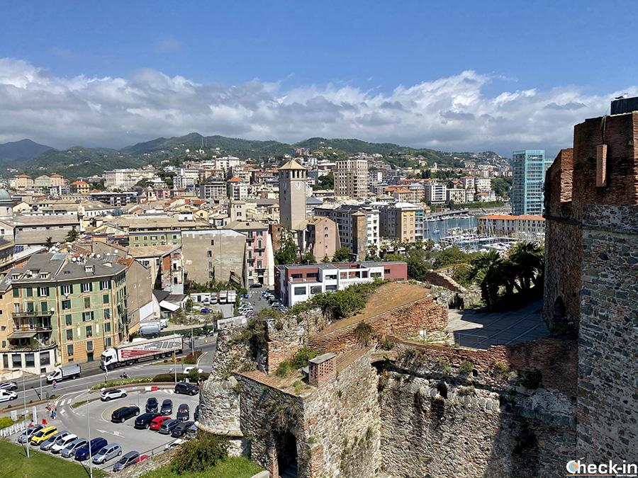 Vista panoramica su Savona dalle mura del Priamar (Liguria)