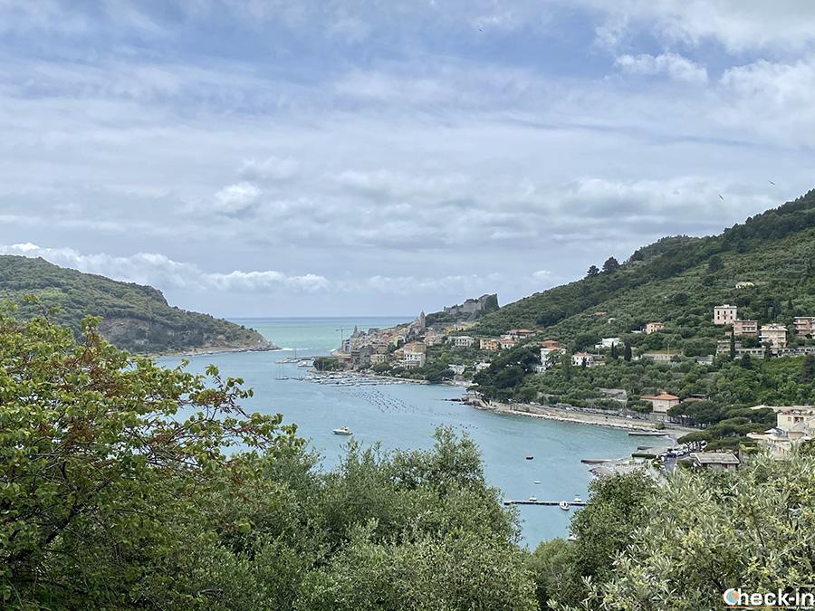 Portovenere vista dal parcheggio autobus e camper in Località Cavo - Golfo dei Poeti, La Spezia (Liguria)