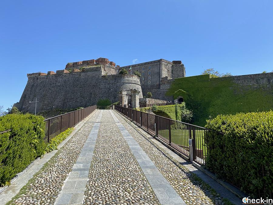 Luoghi simbolo di Savona: fortezza del Priamar - Liguria di ponente