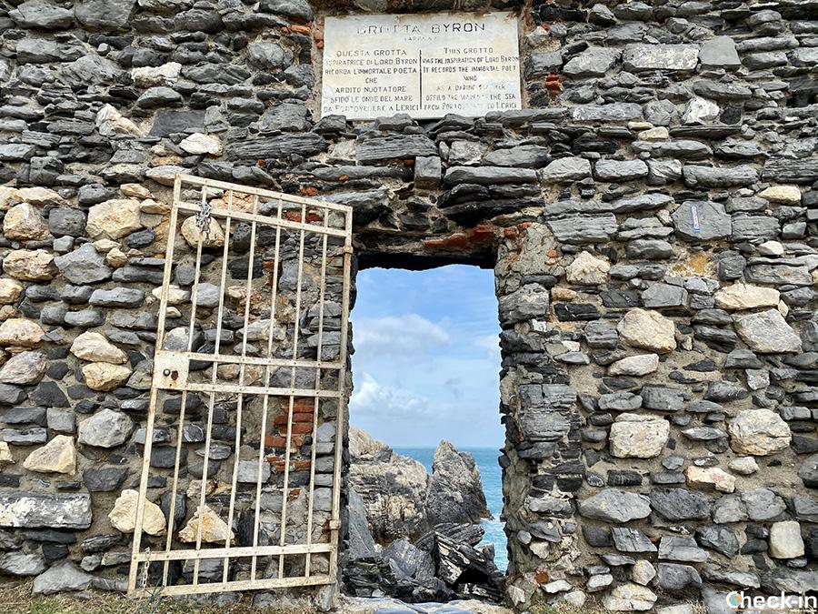 Luoghi di interesse a Portovenere: Grotta di Byron ed accesso agli scogli