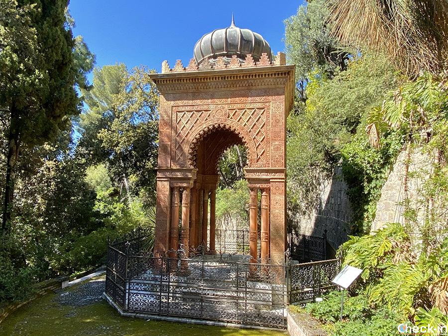 Mausoleo Moresco con le ceneri del fondatore dei Giardini Hanbury di Ventimiglia (Liguria)