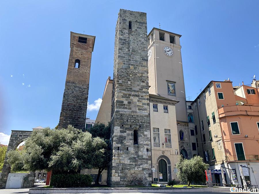 Cosa vedere a Savona: Piazza del Brandale e le Torri Corsi e Guarnero