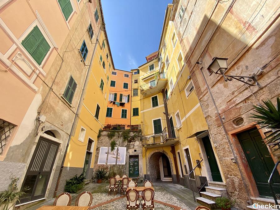 Piazza Mottino, Borgo Pisano - Centro storico di Lerici (Liguria)