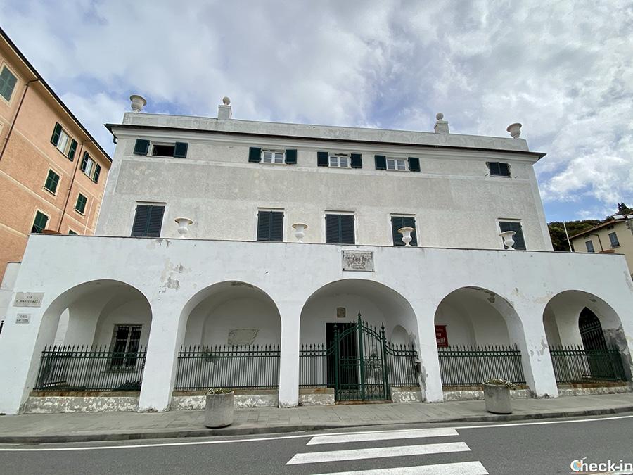 Luoghi di interesse di San Terenzo: Casa Magni-Villa Shelley sul lungomare del Golfo dei Poeti