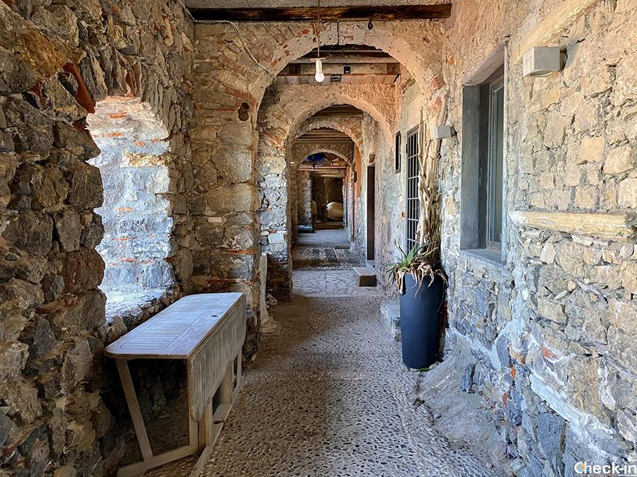 Galleria Sotto-Ripa, mura difensive di Tellaro (Lerici) - La Spezia, Liguria