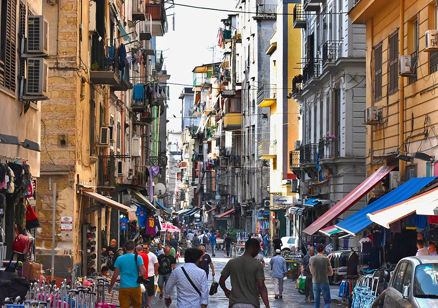 Top private tours in English for small groups in Naples historic city centre - Holiday in Italy