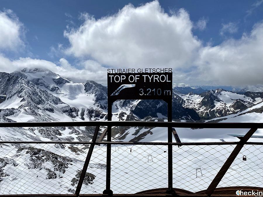 """Punti panoramici più belli del Tirolo: piattaforma """"Top of Tyrol"""" a 3.210 sul ghiacciaio dello Stubai"""