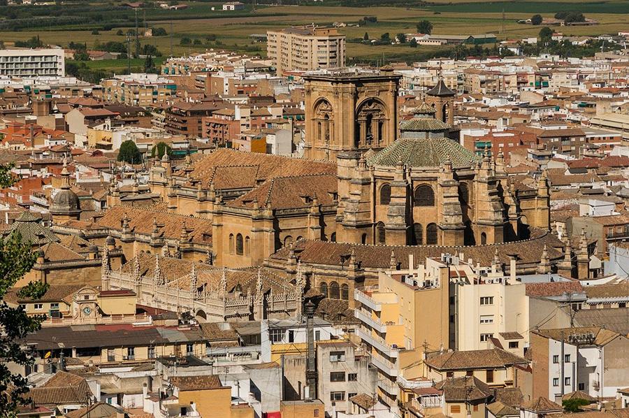 Mejores paseos a pie para visitar el casco antiguo, la Catedral y Capilla Real de Granada - España del sur