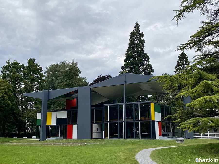 """Musei da vedere a Zurigo: Padiglione """"Le Courbusier"""" vicino al lungolago"""