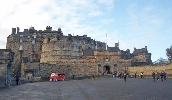 Le 5 attrazioni di Edimburgo da non perdere: il Castello