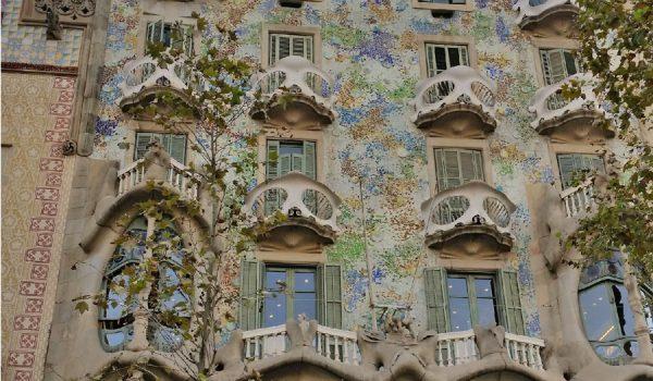 5 cose da fare a Barcellona: entrare nella Casa Battló di Gaudì