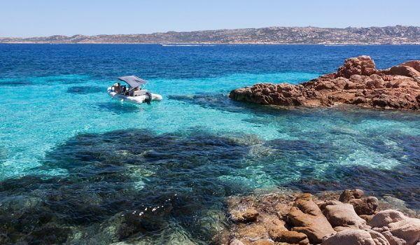 Vacanza di 7-10 giorni in Sardegna: escursione in barca nell'arcipelago della Maddalena