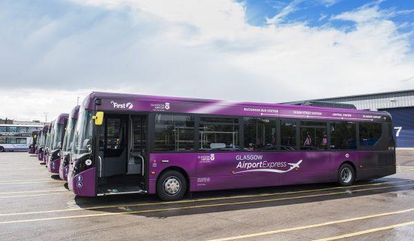 L'Autobus Airport Express che collega l'aeroporto al centro di Glasgow