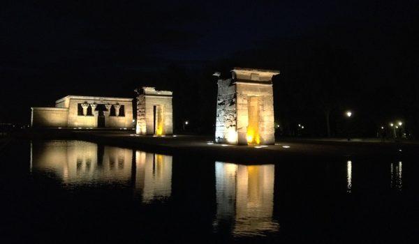 Visitar Madrid de noche: parada al Templo de Debod - España del centro