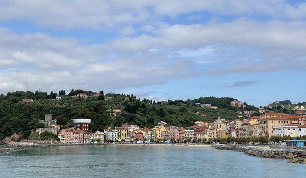 Come raggiungere San Terenzo e Lerici in auto e mezzi pubblici da La Spezia - Golfo dei Poeti, Liguria